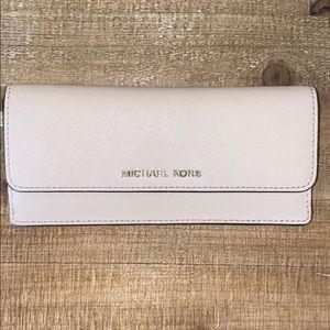 Michael Kors nude slim wallet